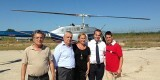 El director del Parque de La Albufera, el edil de Pedanías, la edil de Sanidad, el piloto y el pedáneo de El Palmar/ayto vlc