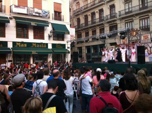 La gente disfrutó en la plaza de la Merced/j.zaragoza