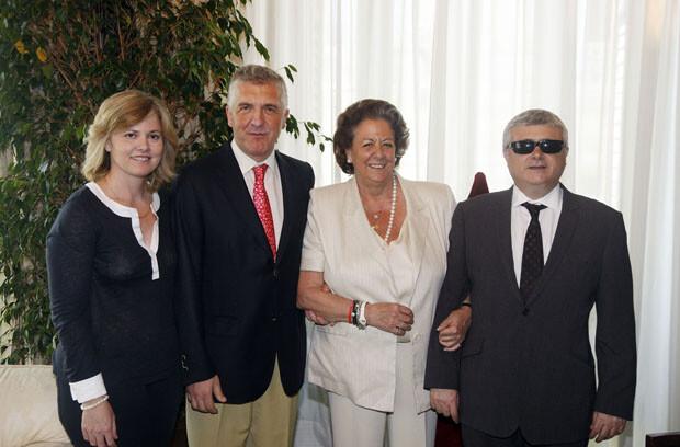 Rita Barberá con los representantes de la ONCE en la Comunitat Valenciana y la ciudad de Valencia. Foto: Pepe Sapena