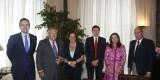 Los responsables de Orange con la alcaldesa de Valencia y el edil de Coordinación Jurídica/ayto vlc