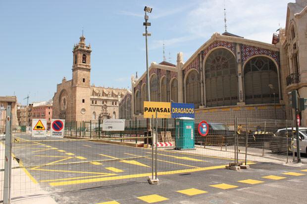 La Plaza de Brujas, a punto de ser abierta al tráfico. Foto: Javier Furió