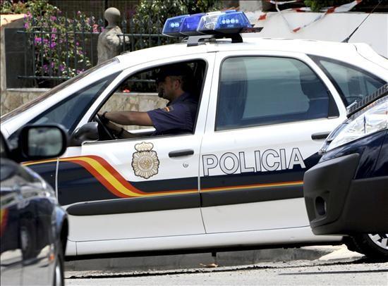 Un vehículo de la policía nacional/cnp