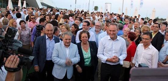 Los dirigentes del PP arropados por militantes y simpatizantes/ppvlc