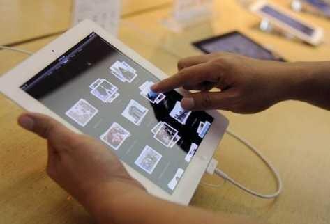 prueba-tableta-tienda-Apple-Singapur_PREIMA20120125_0236_10