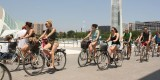 Turistas, de excursión por la CAC en bicicleta. Foto: Javier Furió