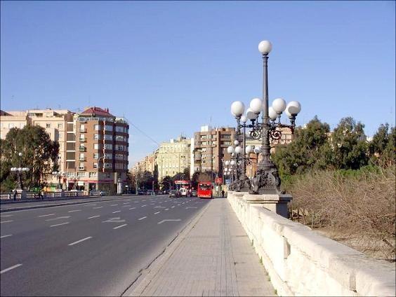 Puente del Ángel Custodio donde ya se están colocando señales para realizar las obras