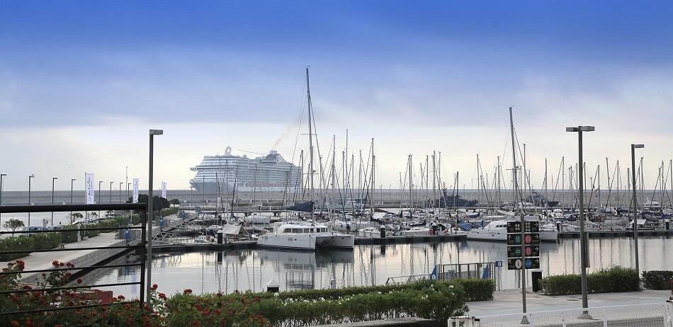 Puerto de Valencia. MSC SPLENDIDA MARINA VLC