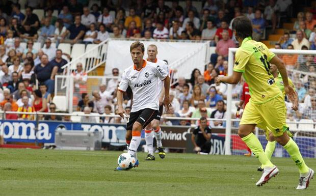 Canales firmó un buen partido, repartiendo juego a diestro y siniestro. Foto: Valencia CF