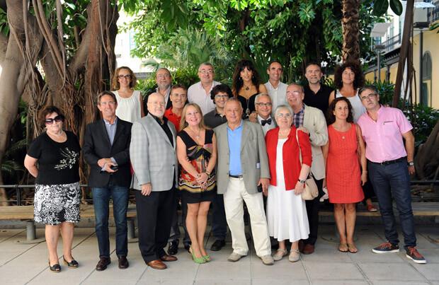 """Puchalt junto al jurado de los premios literarios """"València"""" 2013. Foto: Abulaila"""