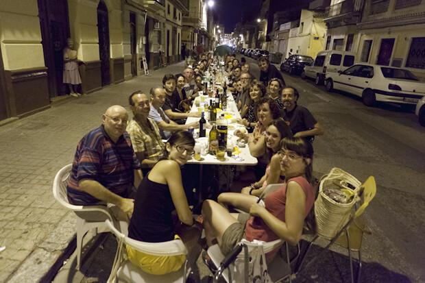 El Cabanyal recupera el 'sopar a la fresca'. AAVV Cabanyal - Canyamelar