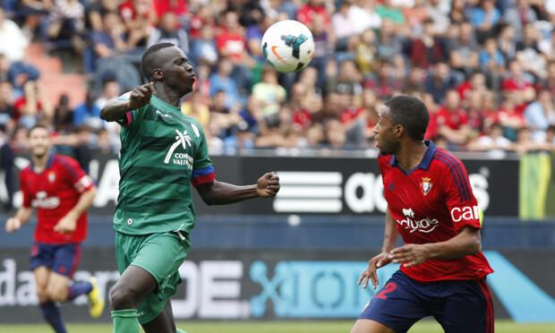 Babá Diawara disfrutó de varias ocasiones para abrir el marcador para los de Orriols. Foto: Jorge Ramírez / Levante UD
