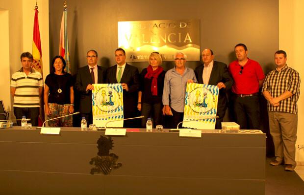 Representantes de varios municipios incluidos en el curso itinerante, con Miguel Bailach, Mª Ángeles Medrano y Francisco Cuevas. Foto: Javier Furió
