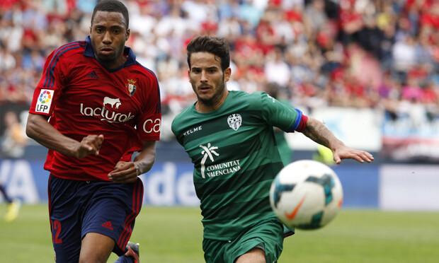 Rubén recibió el penalti que hizo posible la victoria granota. Foto: Jorge Ramírez / Levante UD
