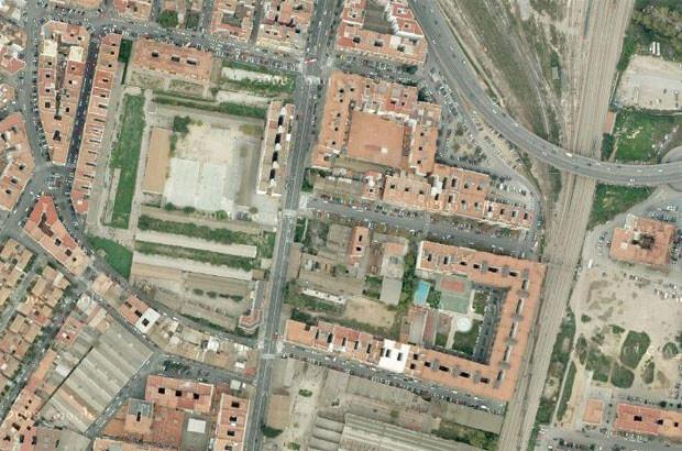 Vista por satélite de los solares de San Vicente de los que habla Sarrià. Foto: Google
