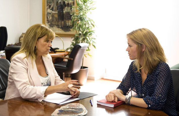 Amparo Mora se reune con la d.g. de la mujer foto_Abulaila