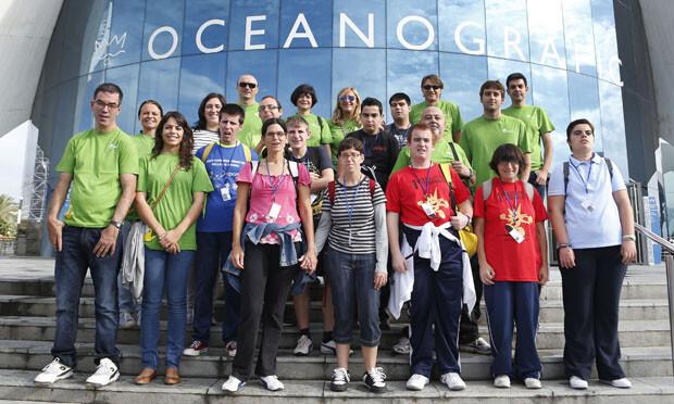 Empleados de Iberdrola participando como voluntarios en Valencia