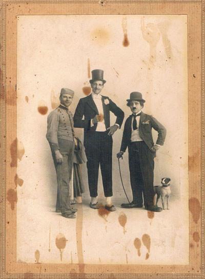 Llapisera y sus ayudantes. Año 1925. A.P.R.S.
