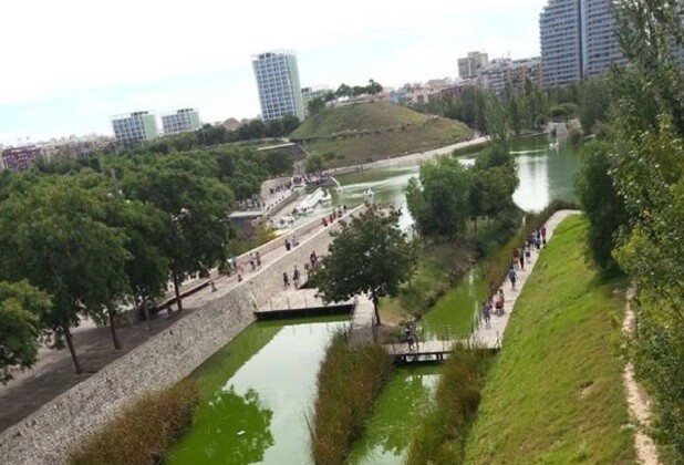 Mislata. Parque de cabecera de Valencia 1