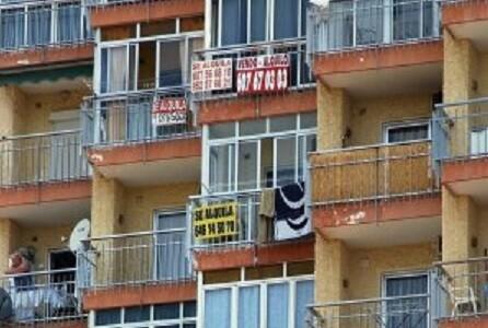 La costa ofrece numerosos alquileres y venta de pisos y apartementos