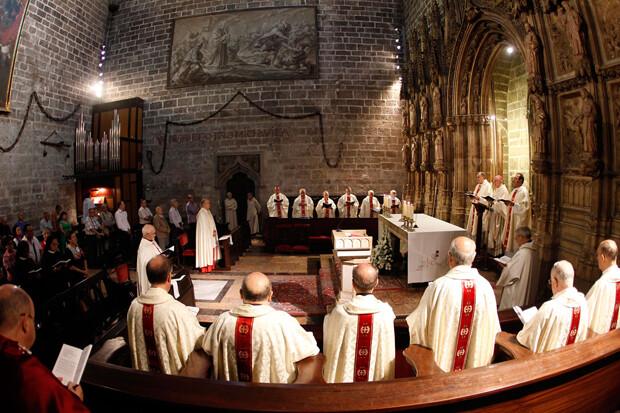Monseñor Carlos Osoro Sierra, arzobispo de Valencia preside el Te Deum a la real senyera por la celebración del Nou D'Octubre . (foto AVAN // Alberto Saiz)