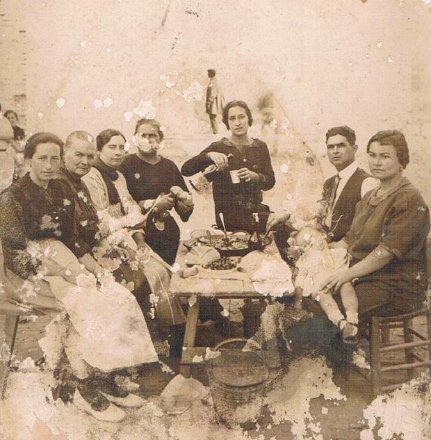 Paella. Valencia, ca. 1920. A.P.R.S.
