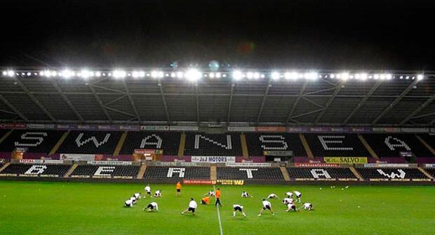 Último entrenamiento del Valencia CF en el estadio del Swansea. Foto: VCF