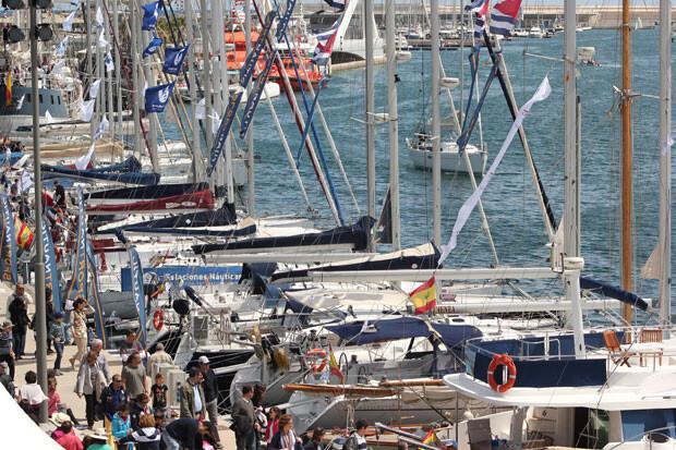 La Marina, repleta de embarcaciones este verano. Foto: Javier Furió