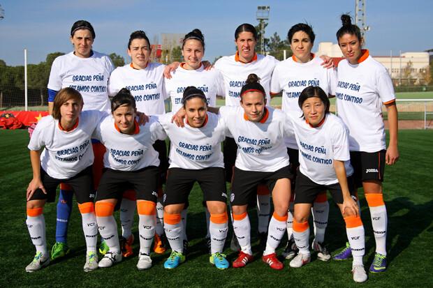 El equipo rindió homenaje, antes de comenzar el partido, a Peña.