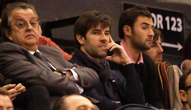 David Albelda en el palco VIP de la Fonteta, viendo el partido. Foto: M. A. Polo