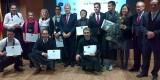 El conseller Máximo Buch con los ganadores de la Nariz de Oro
