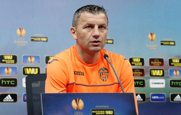 Miroslav Djukic en su última rueda de prensa. Foto: VCF