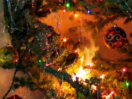 navidad-incendio-arbol