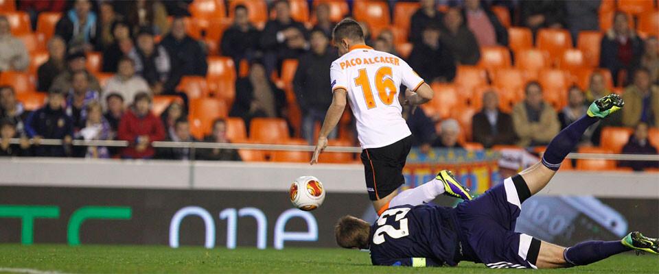 paco-alcacer-marcando-el-gol-valencianista