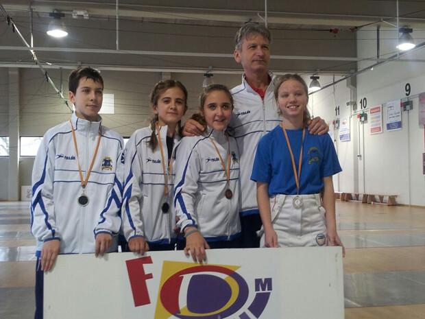 Medallistas de la SAV en los Juegos Deportivos Municipales de Esgrima