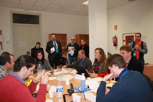 Mentores asesorando a un proyecto en el Centro APUNT Nov 2013