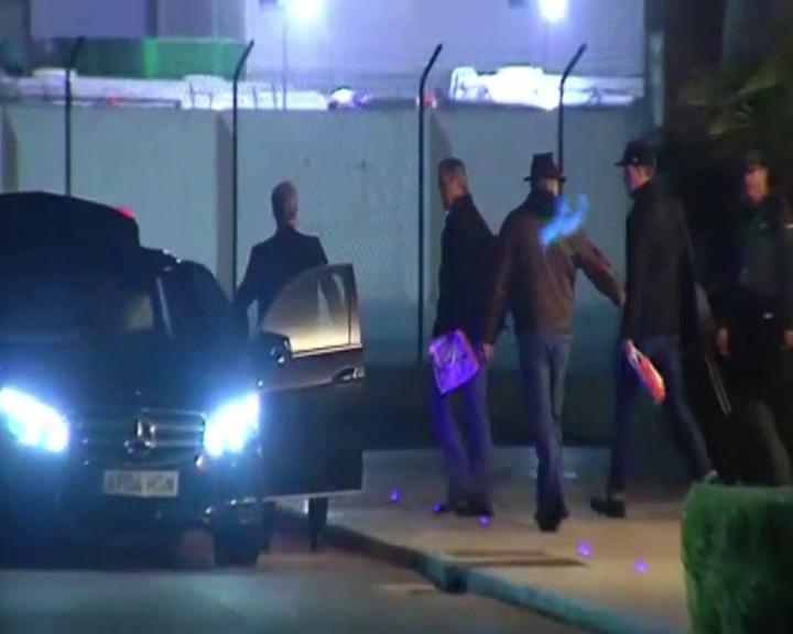 George Clooney aterriza en Valencia.Foto vídeo la sexta
