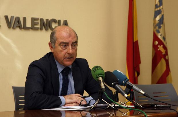 Alfonso Novo informa en rueda de prensa sobre el edificio de la antigua fábrica de Bombas Gens. Foto: Pepe Sapena / Ayto. Valencia