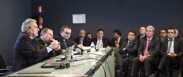 Alfonso Rus clausura las Jornadas sobre Administración local. Foto: Abulaila