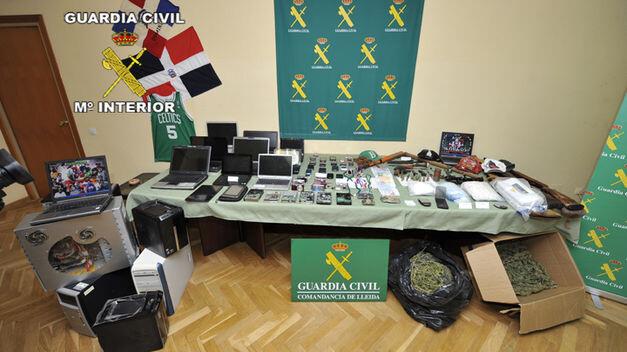 Cae-Trinitarios-Lleida-Guardia-Civil_TINIMA20121129_0440_18