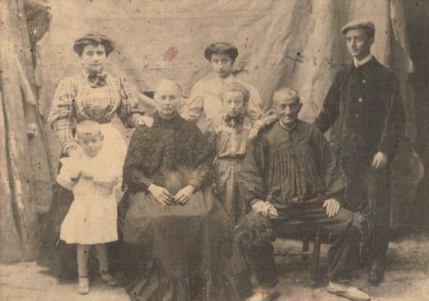 Familia de la huerta de Rascanya. Ca. 1910. A. P. R. S.
