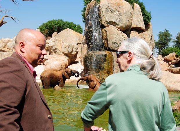 Jane Goodall y Gonzalo Fernandez Hoyo - secretario de la Fundación BIOPARC - 2012 - Bioparc Valencia