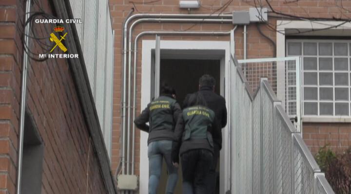 La Guardia Civil detiene a una persona por corrupción de menores a través de una red social