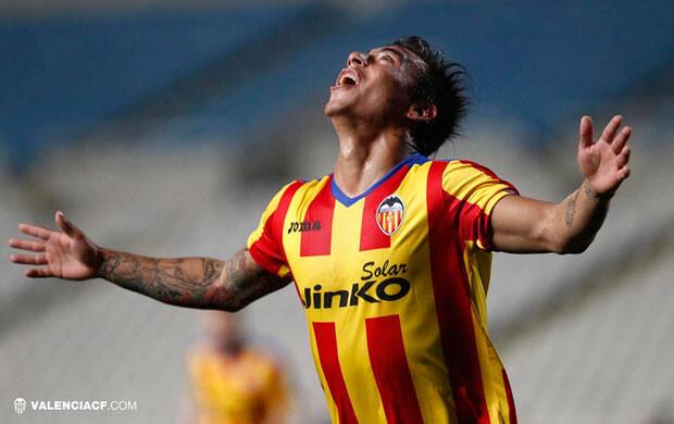 Edu Vargas celebró su segundo gol valencianista en menos de una semana. Foto: VCF