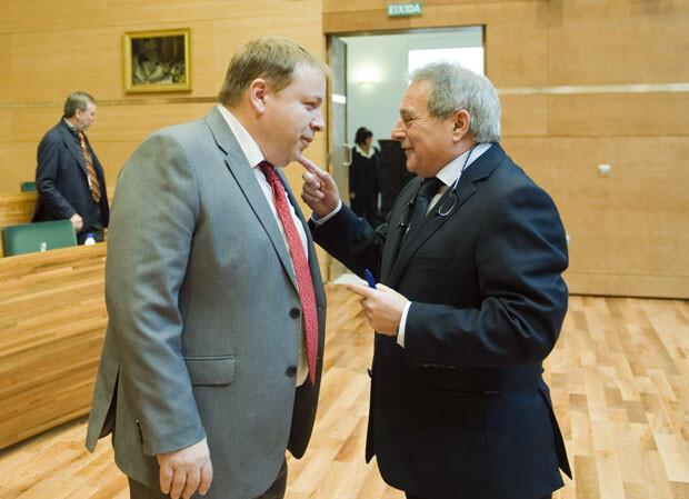 Orengo y Rus momentos antes del pleno. Foto: Abulaila