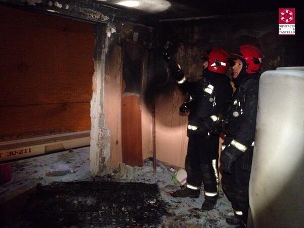 trabajo de los efectivos de bomberos del CPBC,del parque de Plana Baixa