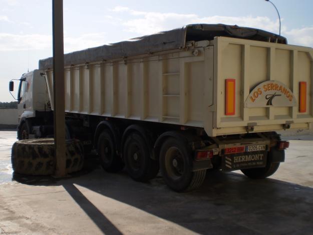 72536379_3-vendo-camion-banera-marca-Renault-gasoil-5-anos-semi-remolque-banera-aluminio-30000-eu-Camiones-vehiculos-comerciales