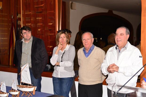 Autoridades presentes en la entrega de izquierd a derecha Matias Torres. Carina Gimeno. Manlio Trabison y Jose J. Mas