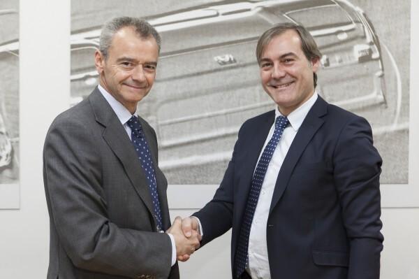 Firma-acuerdo-Honda-Castrol-Marc Serruya y Jaime García Lecina