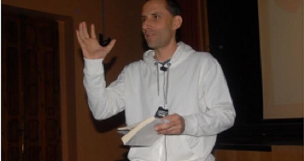 Julio Basulto, durante una de sus conferencias. Foto de archivo
