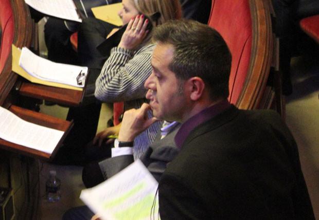 Amadeu Sanchis, en un momento de su intervención en el Pleno del mes de marzo. Foto: Javier Furió